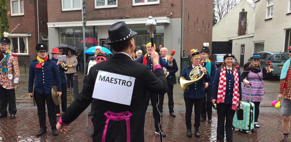 Carnavalsoptocht Maestro Wout Muziekvereniging Prinses Juliana
